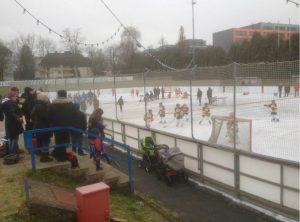 Training Nachwuchs auf der Eisbahn