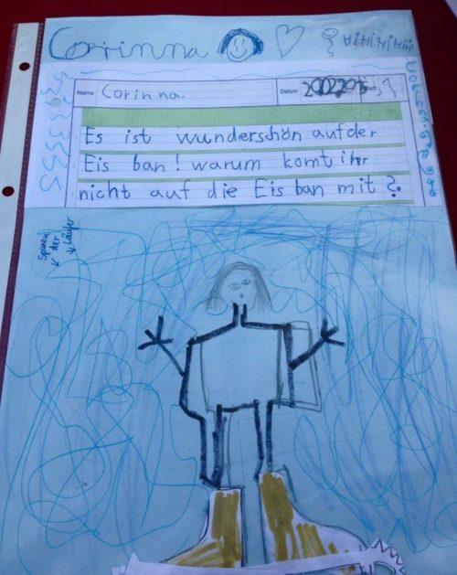 """Zeichnung von Corinna """"Es ist so wunderschön auf der Eisbahn"""". Zu sehen ist eine Frau mit Schlittschuhen auf dem Eis."""