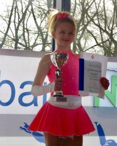 Katja Fink, E.I.S. Club Wiesbaden, Mitglied im Hessen-Kader Eiskunstlauf