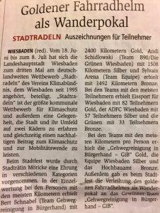 "Preisverleihung Stadtradeln: Zeitungsartikel ""Goldener Fahrradhelm als Wanderpokal"""