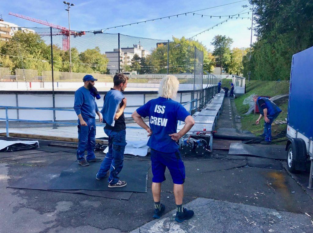 Vorbereitungen für die Saison 2017 an der Henkell-Kunsteisbahn