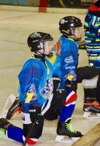 Wie ein Sieg: Knieende Hockeyspieler beim Turnier in Mainz