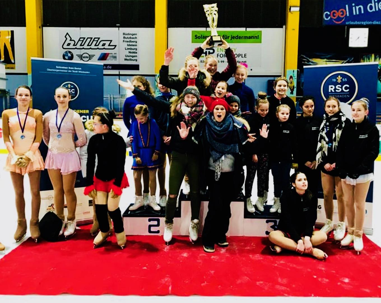 Eisliliencup 2018: Mannschaft mit Pokal