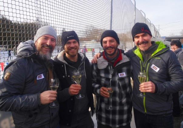 2. Sponsoren-Cup im Eisstockschießen: Mannschaft von Clip'n Climb
