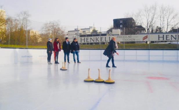 2. Sponsoren-Cup im Eisstockschießen: Eisstockschießen auf der Henkell-Kunsteisbahn